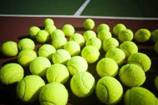 Tennisbal02.jpg